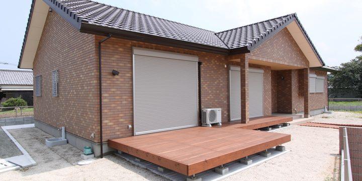 外壁タイルの平屋の家